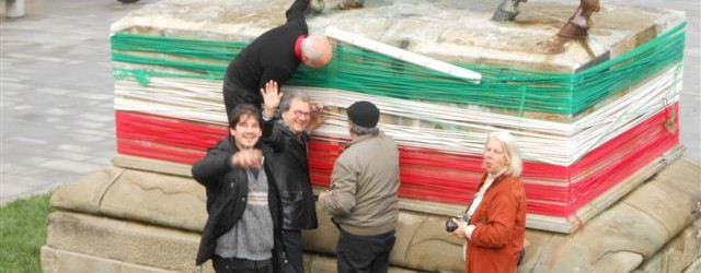 """Nel programma delle iniziative del 25 aprile 2012 anche la nostra associazione ha avuto un ruolo importante: """"gli artisti fiesolani tolgono i nastri tricolore con i quali avevano avvolto il […]"""